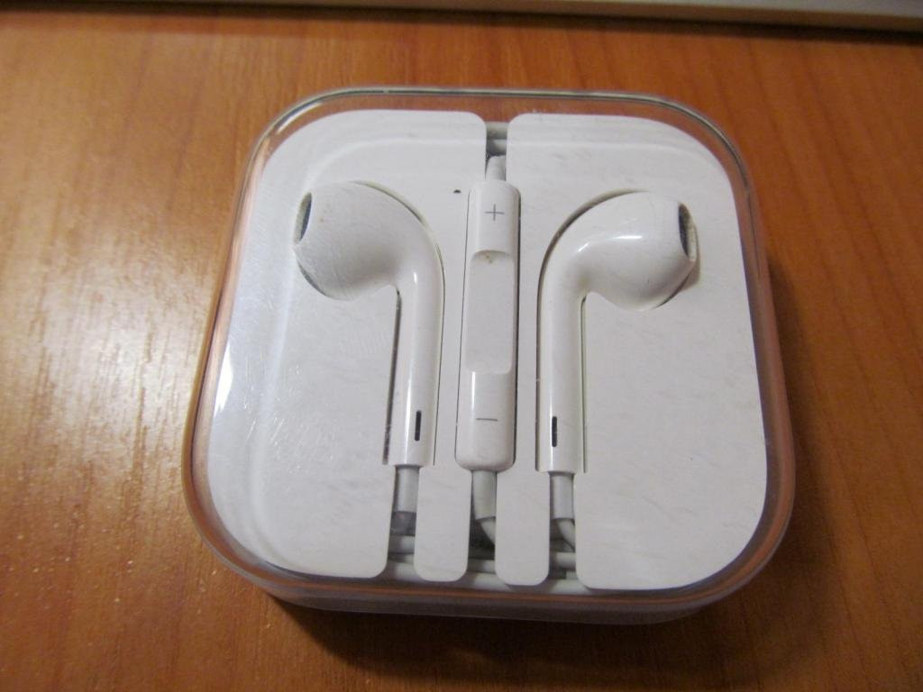 Apple EarPods Наушники для iPhone 6S(100% оригинал)