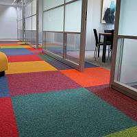 Укладка ковролина и ковровой плитки
