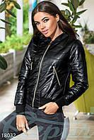 Кожаная куртка полоска. Цвет черный.