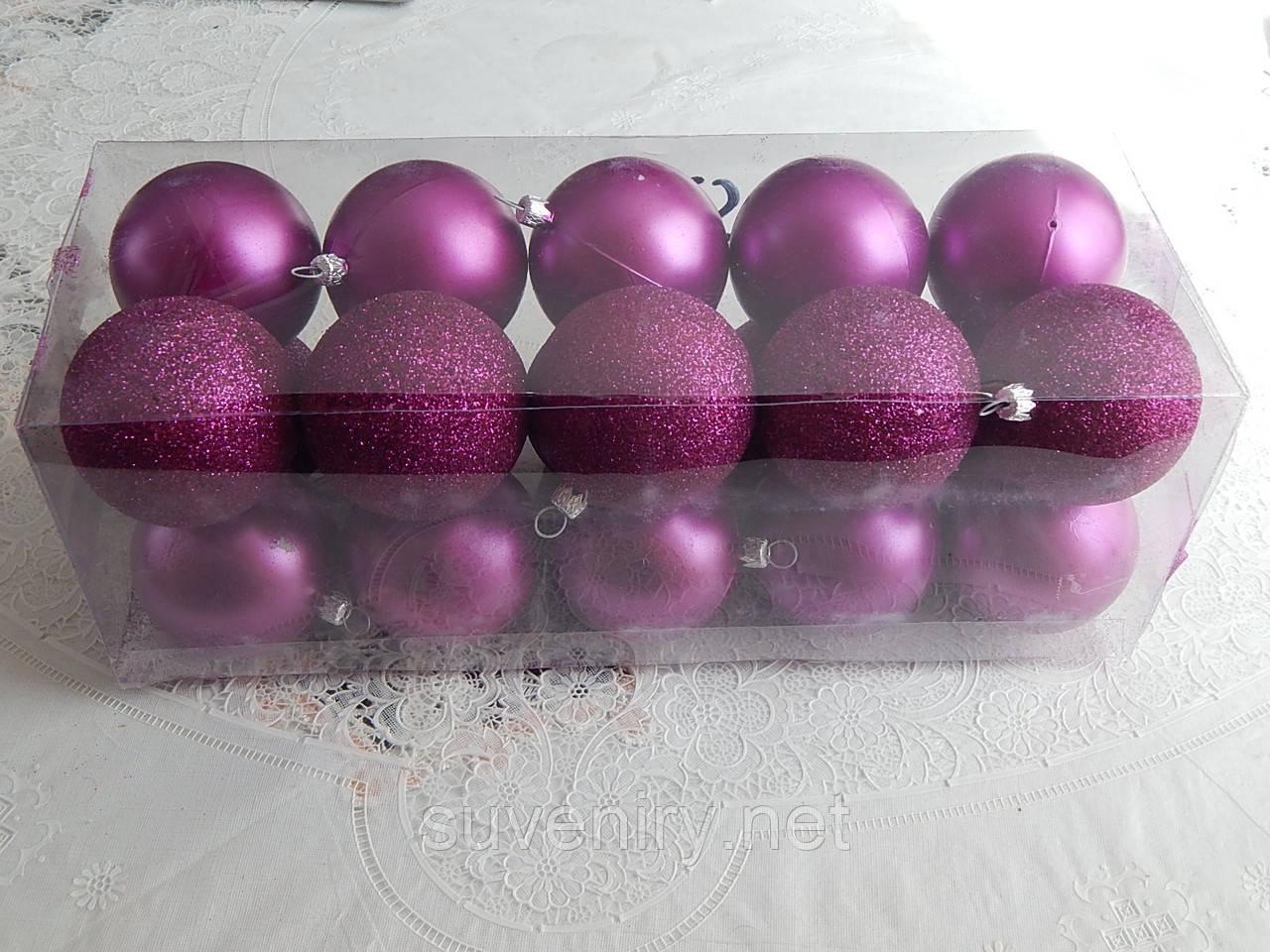 Наборы с новогодними шарами есть разные цвета