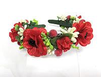 Обруч веночек ручной работы с маками и белыми и зелеными ягодками