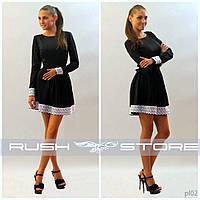 Платье с широким кружевом