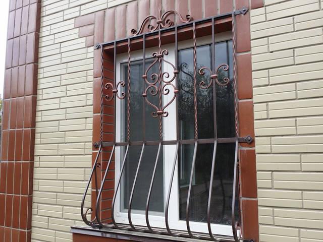Решетки на окна в Киеве кованые