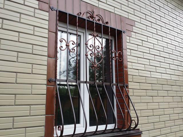 Решетки на окна в Киеве кованые 1