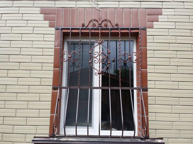 Решетки на окна в Киеве кованые 2
