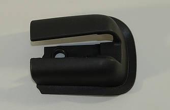 Колпачок направляющей рейки левой выдвижной двери на Renault Trafic 2001-> — Renault (Оригинал) - 8200675629