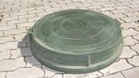 Люк канализационный полимерно песчаный  4.5 т зеленый