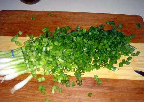 Лук зеленый кубик замороженный