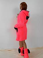 Женский махровый халат с ушками на капюшоне розовый