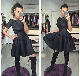 Коктейльное платье черное с пышной юбкой