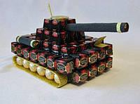 Креативный подарок мужчине- танк из конфет.