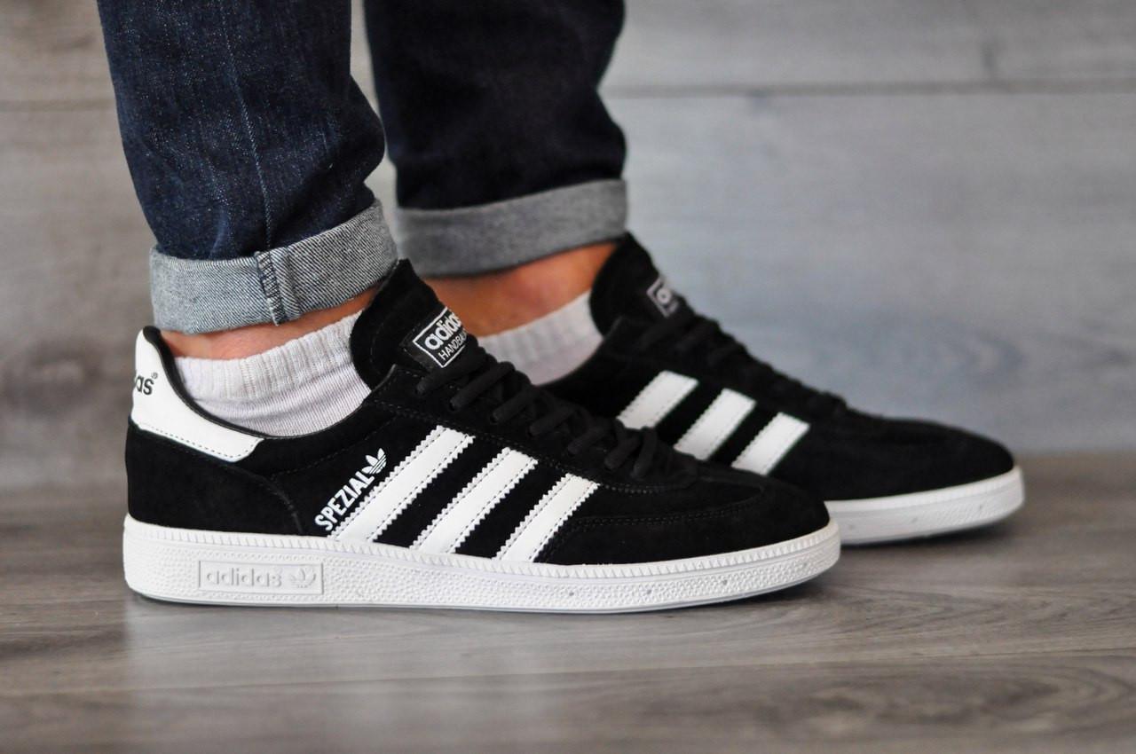 Кроссовки Adidas Spezia,черные  стильные, городские,с белой подошвой