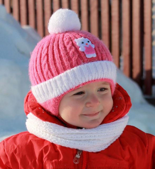 Утеплена зимова дитяча шапочка для дівчаток