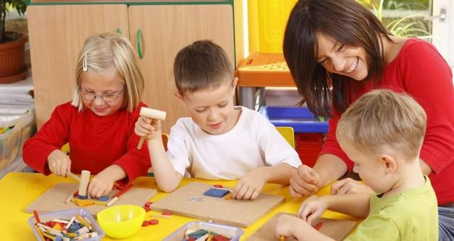 Развивающие и обучающие игрушки. Наборы: кухни, доктор, инструменты... Синтезаторы и т.д.