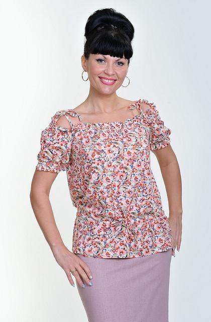 Блуза из натурального штапеля с цветочным рисунком