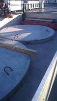 вивантаження плит днища для колодязів