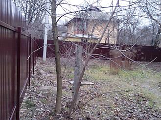 Забор из профнастила ПС-10 (коричневый) и распашные ворота (г. Киев) 3
