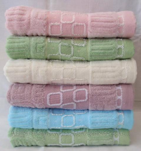 Симпатчное махровое полотенце. Размер: 1,4 x 0,7