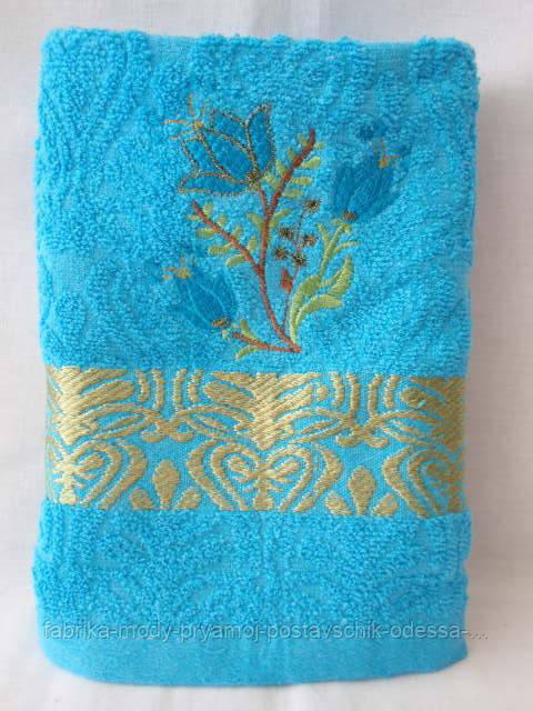 Мягкое махровое полотенце. Размер: 1,0 x 0,5