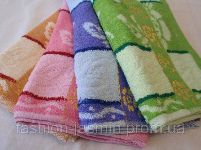 Недорогое кухонное полотенце. Размер: 0,35 x 0,75