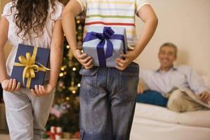 Что подарить родителям на Новый Год– недорогие идеи для всей семьи