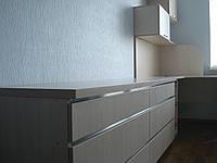 Спальня на заказ: шкаф-купе, стол, полки, фото 1