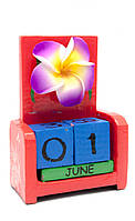 Настольный календарь из дерева Цветок