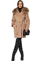 Стильное кашемировое пальто с меховым воротником и накладными карманами
