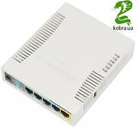 Беспроводной маршрутизатор MikroTik RB951Ui-2HND (N300, 600MHz/128Mb, 5х100Мбит, 1хUSB, 1000mW, PoE in, PoE out, антенна 2,5 дБи)