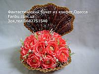 Ракушка с розами и конфетами на жемчужную свадьбу