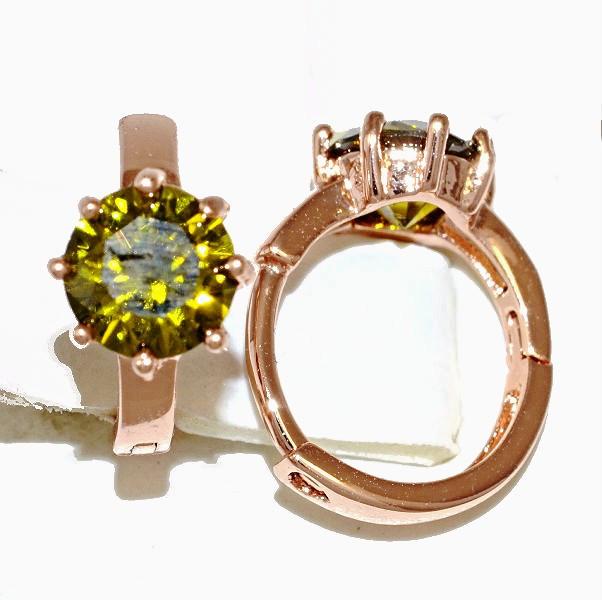 Серьги Xuping, цвет советского золота . Камень: оливковый циркон. Высота серьги 1,2 см. ширина 7 мм.