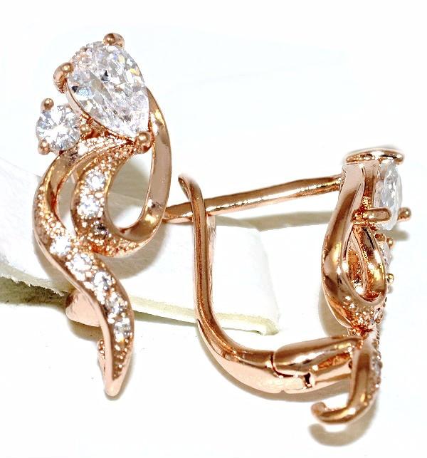 Сережки Xuping, колір радянського золота . Камінь: білий циркон. Висота сережки 1,8 см. ширина 8 мм