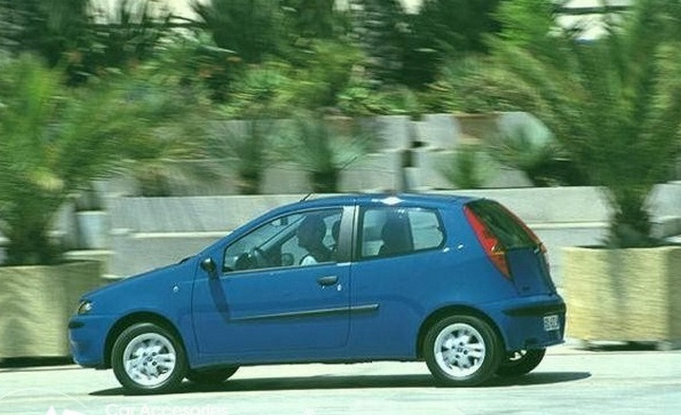 Молдинги на двери Fiat Punto II 3 Dr 1999-2010