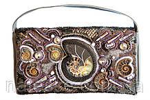 Кожаная сумочка вышитая бисером с аммонитами