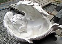 Скульптуры ангелов. Скульптура на могилу Ангелочек в крылышках 50*30 см