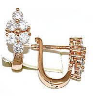 Серьги Xuping, цвет советского золота . Камень: белый циркон. Высота серьги 1,5 см. ширина 6 мм.