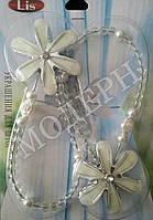 Магнит-подхват для штор Цветок с бусами цвет белый