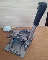 Пристрій для розведення зубів стрічкової пили