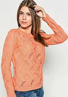 Вязаный свитер персикового цвета