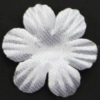 Цветок  6 -листник. белый. Размер 20 мм