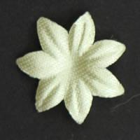 Цветок семилистник. молочный насыщенный. Размер 17 мм