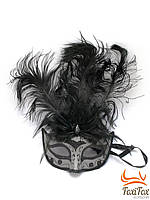 Венецианская маска на лицо черная