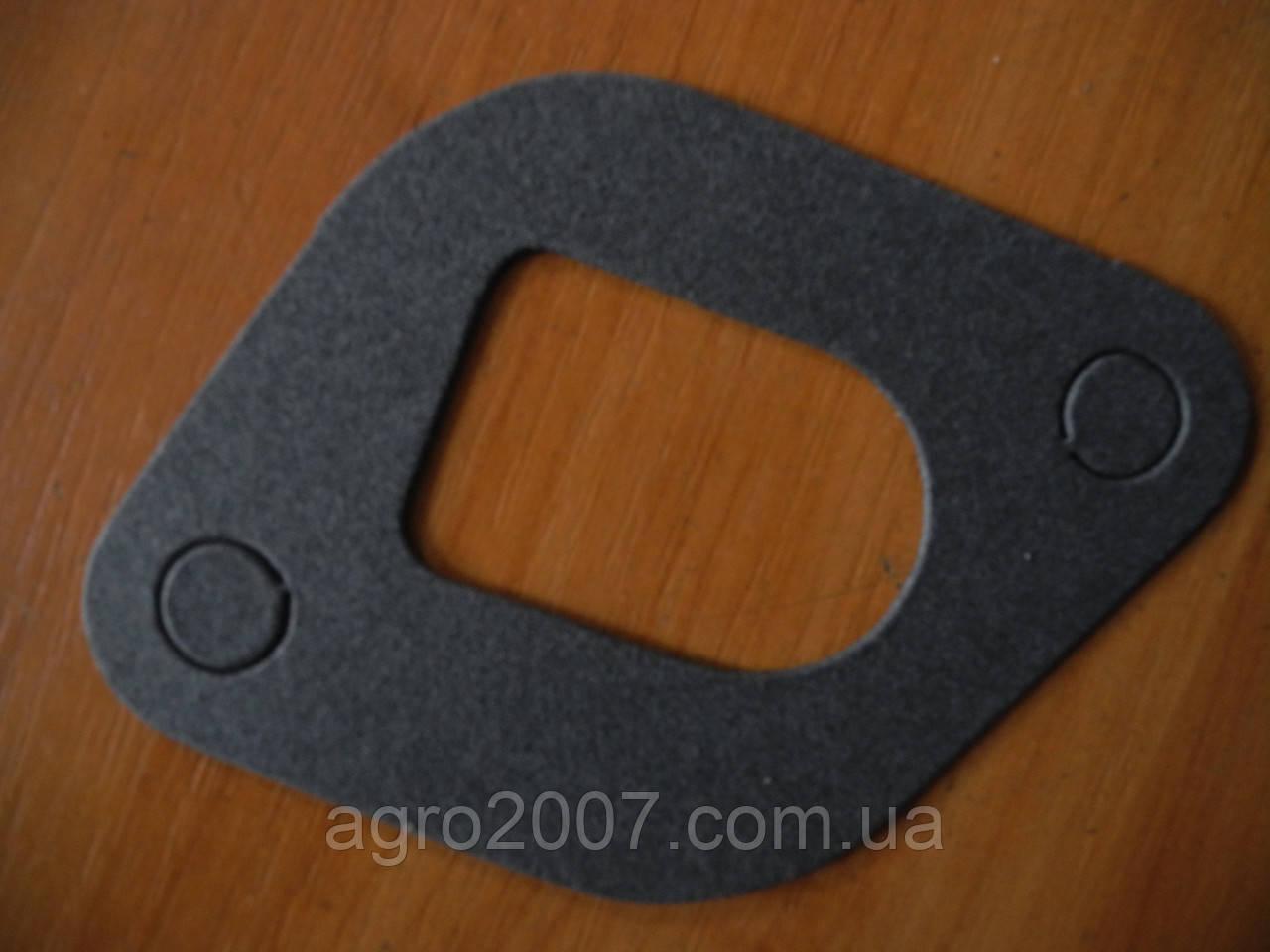 Д11-048 А Прокладка патрубка водяного насоса ЮМЗ