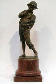 Курящий мальчик Том Сойер (бронза) 1894 г.