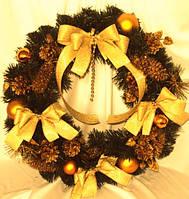 Венок декоративный из сосны желтый