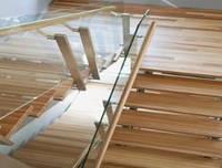 Ограждения лестничные из нержавеющей стали с деревянным поручнем