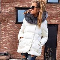 Куртка женская однотонная с мехом чернобурки, накладными карманами и потайной застежкой
