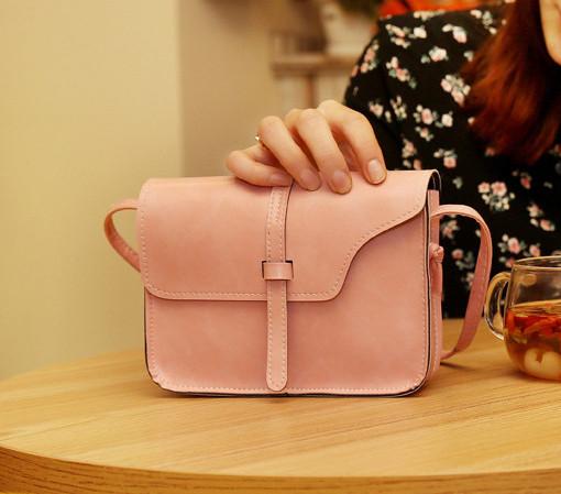 Женская сумка клатч розового цвета