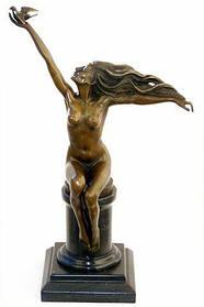 Скульптура Дівчина з пташкою A. Gennarelli 1930-ті роки Ар Деко