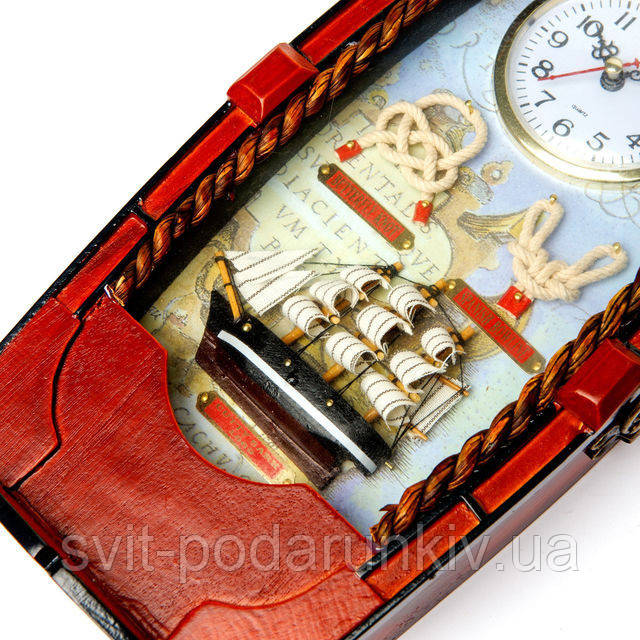 Ключница настенная с часами